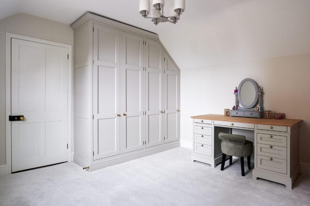 fitted bespoke wardrobe