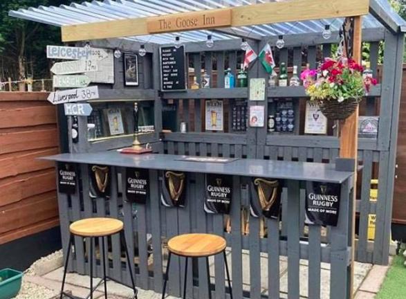 Great DIY Garden Bar Ideas